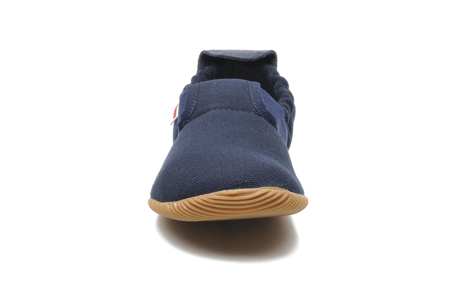 Slippers Giesswein Söll Slim Fit Blue model view