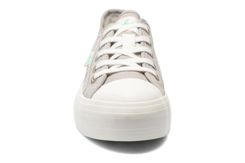 Sneaker Coolway Daniela grau schuhe getragen