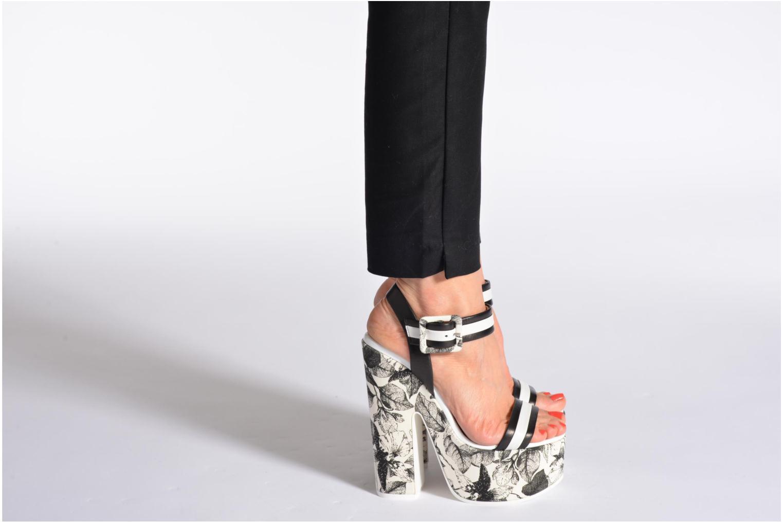 Sandalen Vicini Safine schwarz ansicht von unten / tasche getragen