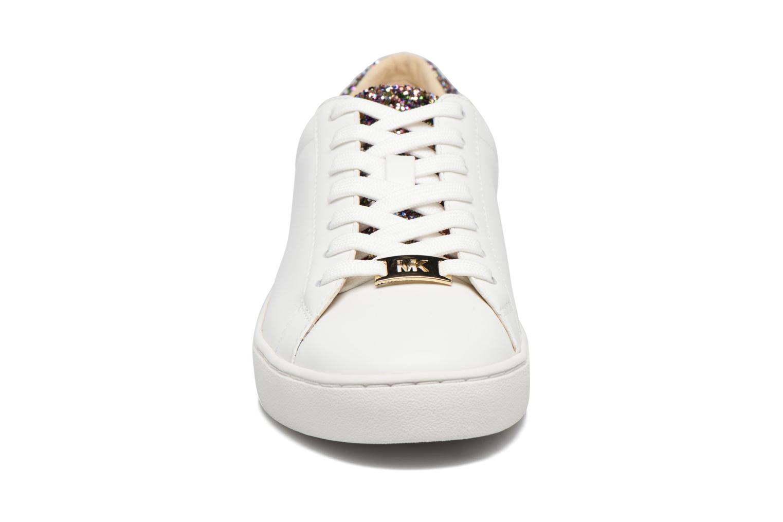 Sneakers Michael Michael Kors Irving Lace Up Bianco modello indossato