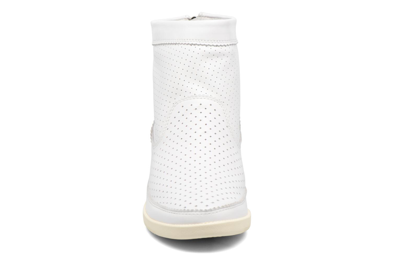 Bottines et boots Shoe the bear Emmy Blanc vue portées chaussures