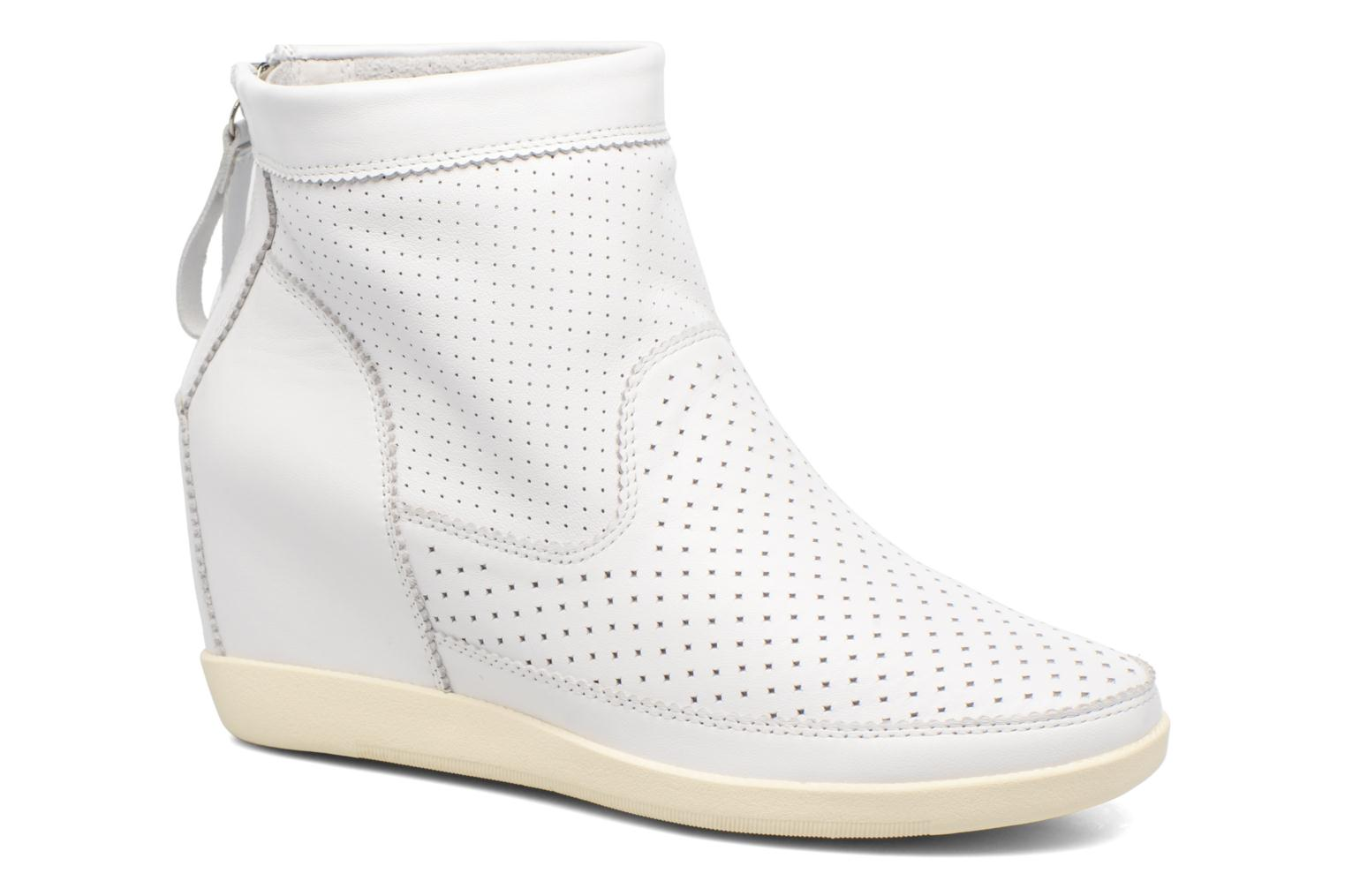 Ankle boots Shoe the bear Emmy White detailed view/ Pair view
