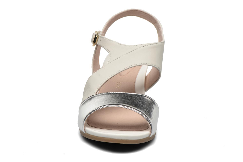 Sandales et nu-pieds Stonefly Sweet II 21 Blanc vue portées chaussures