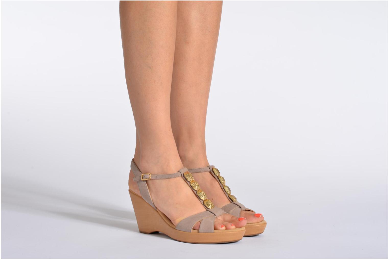 Sandales et nu-pieds Unisa Rony Beige vue bas / vue portée sac