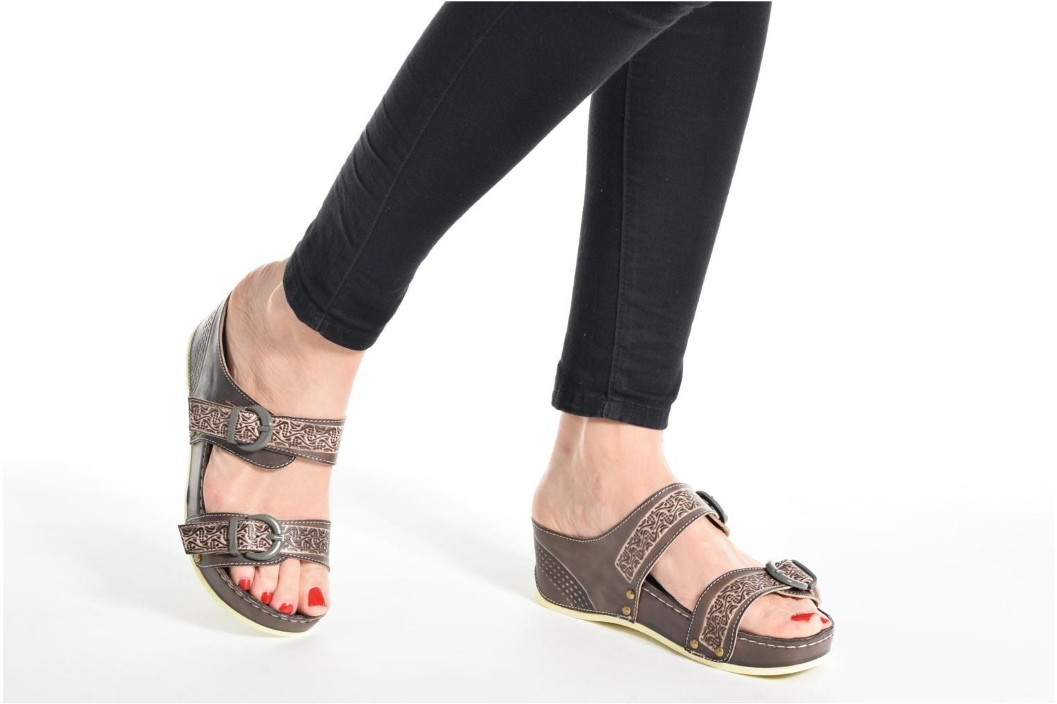 Mules & clogs Laura Vita Scep Brown view from underneath / model view