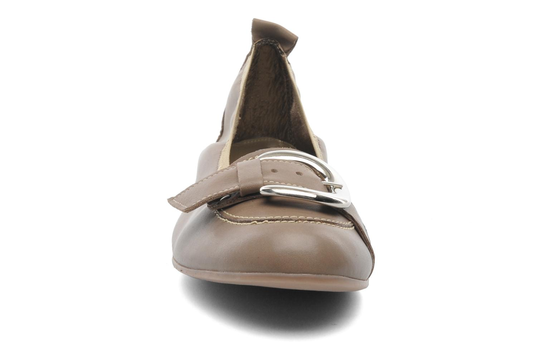 Ballerines Arima pour Elle Katina Beige vue portées chaussures
