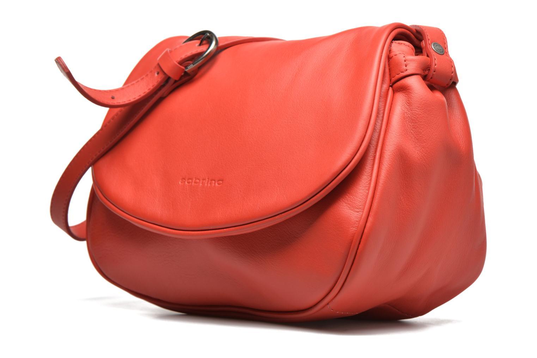 Handtaschen Sabrina Iris rot schuhe getragen