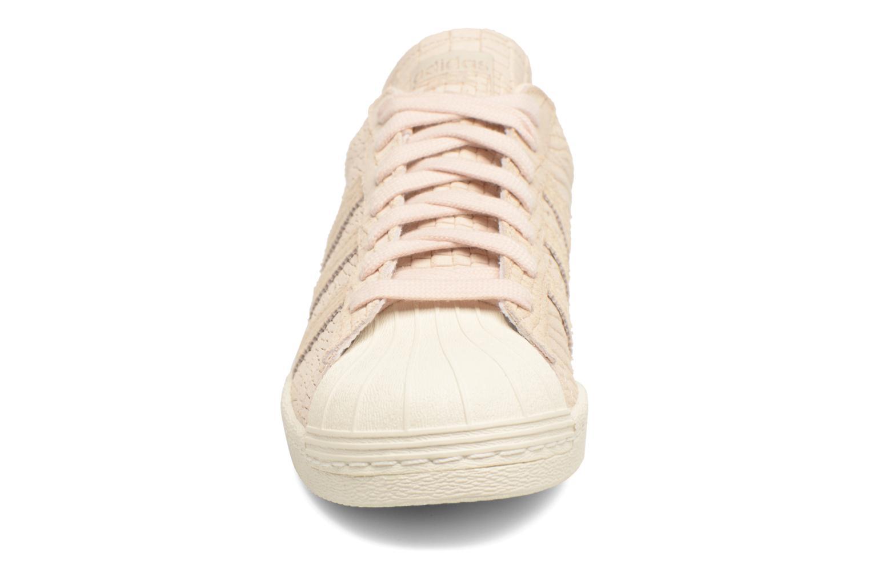 Sneaker Adidas Originals Superstar 80S W beige schuhe getragen
