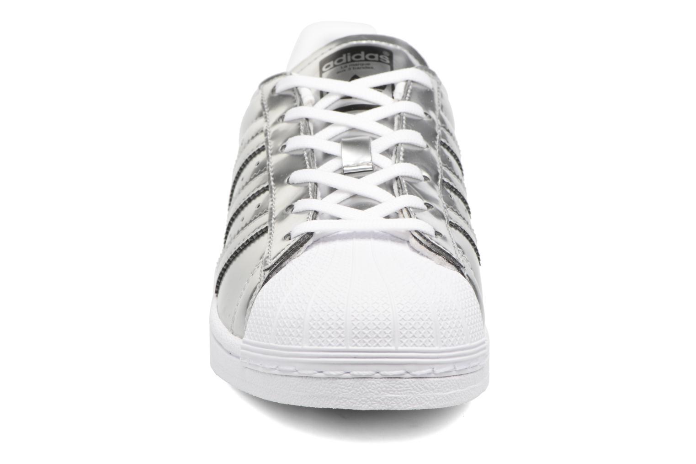 Sneakers Adidas Originals Superstar W Orange bild av skorna på
