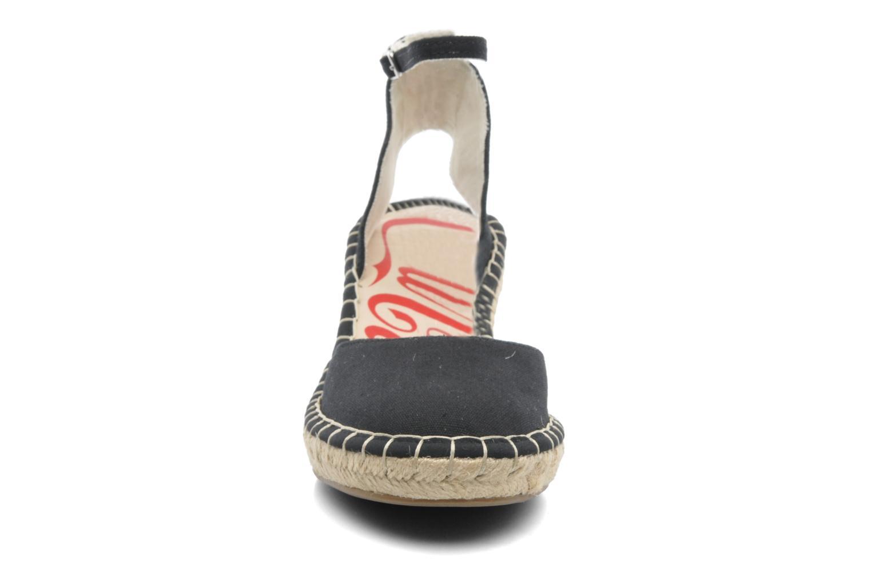 Sandali e scarpe aperte Coca-cola shoes Juta City Nero modello indossato