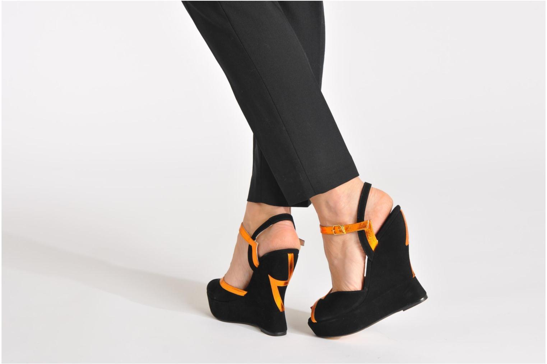 Sandales et nu-pieds Terry de Havilland Izzy Bleu vue bas / vue portée sac