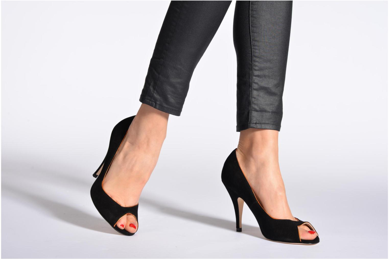 High heels Terry de Havilland Chloe Black view from underneath / model view