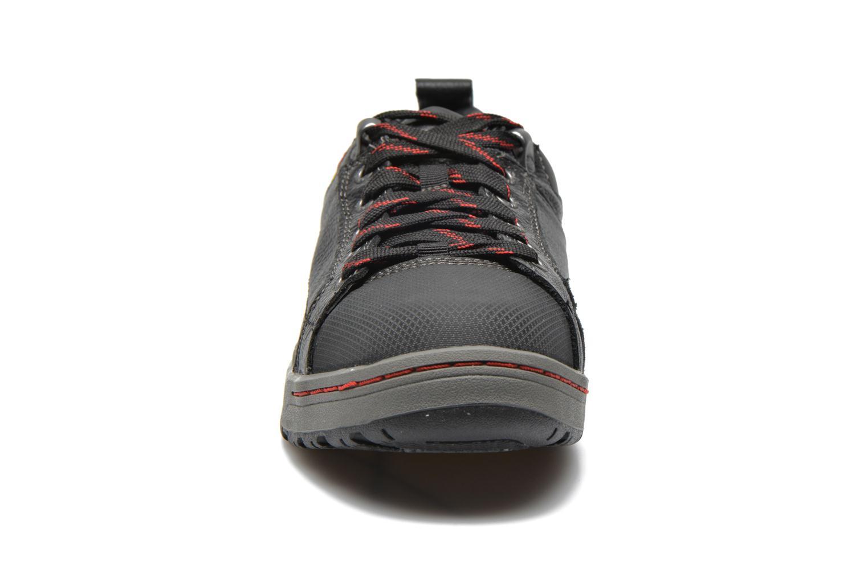 Sneaker Caterpillar Brode S1P schwarz schuhe getragen