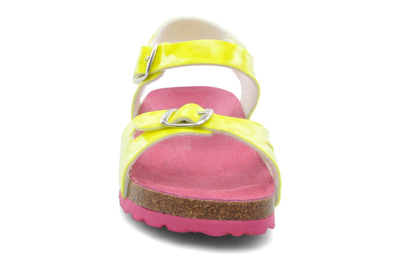 Sandales et nu-pieds Agatha Ruiz de la Prada Dominica Jaune vue portées chaussures