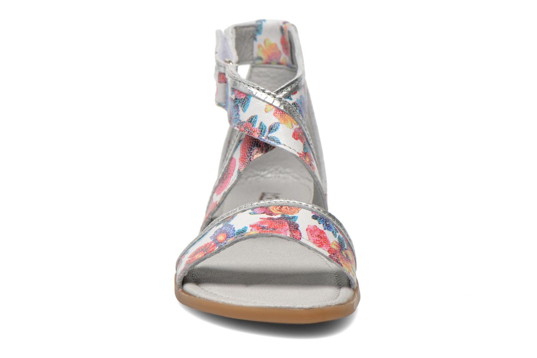 Sandali e scarpe aperte Mod8 Joyce Multicolore modello indossato