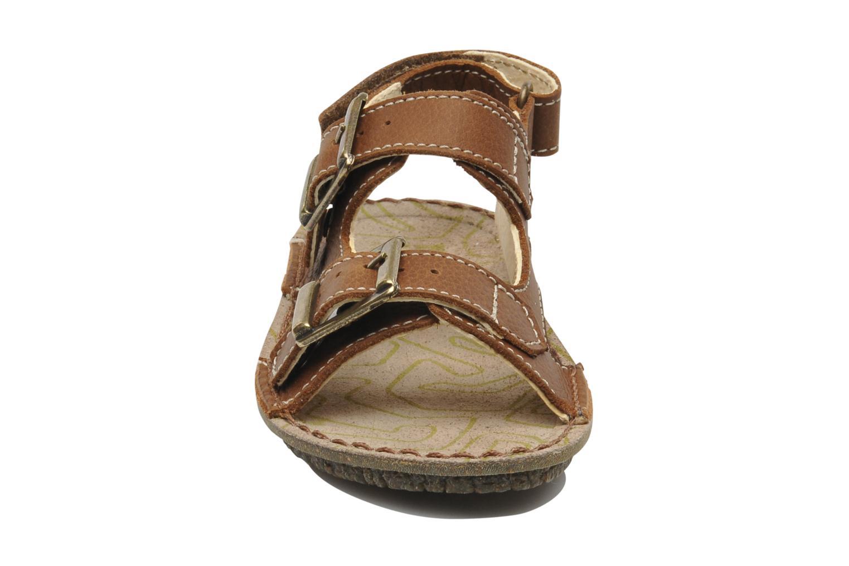 Sandales et nu-pieds El Naturalista Kiri E277 Marron vue portées chaussures