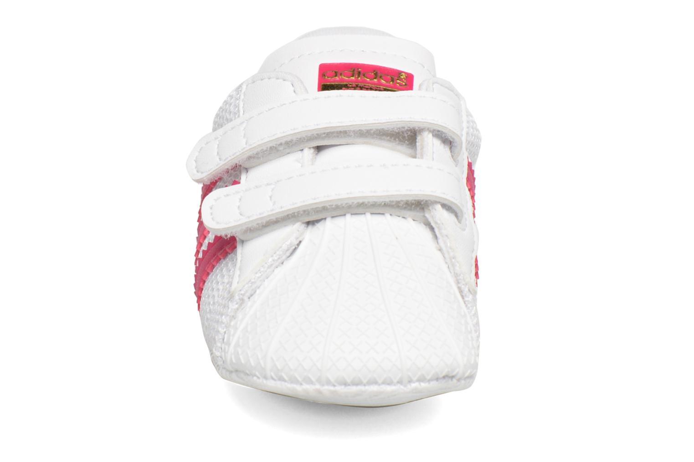 Sneaker Adidas Originals SUPERSTAR CRIB weiß schuhe getragen