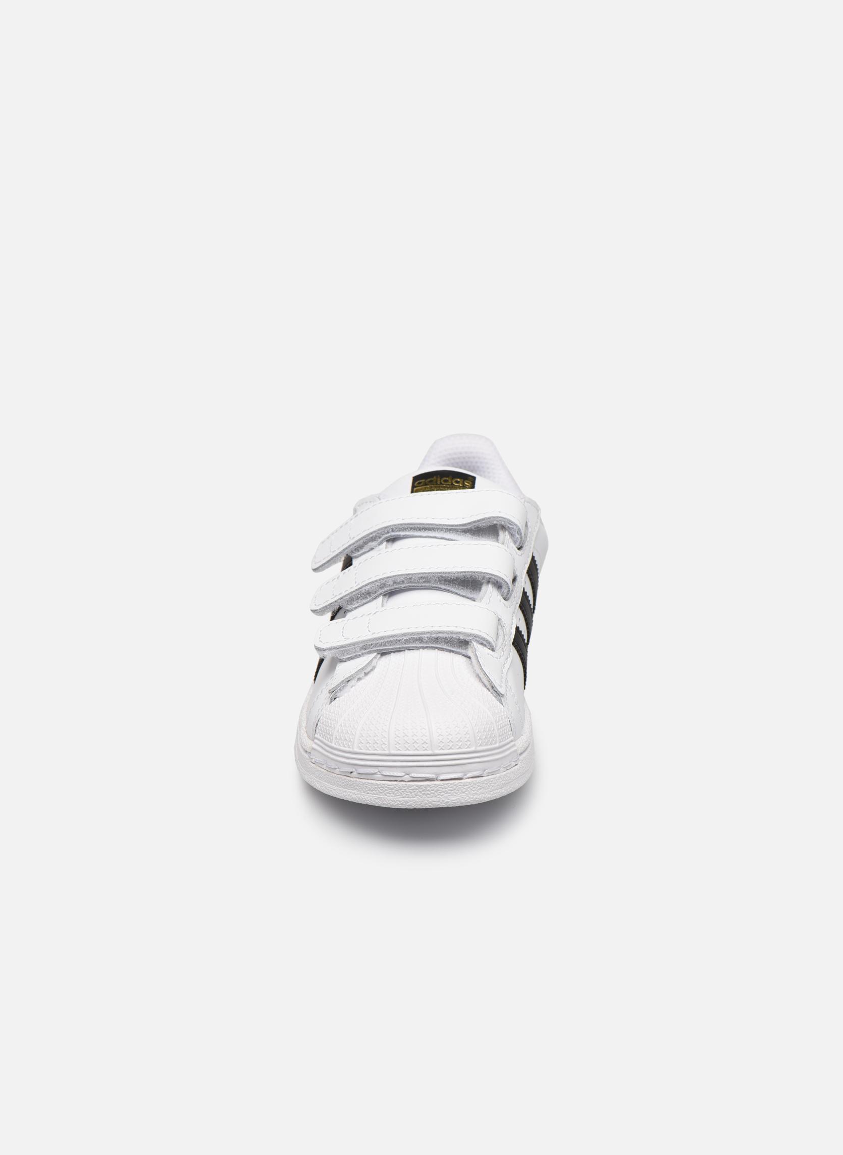 Baskets Adidas Originals Superstar Foundation Cf C Blanc vue portées chaussures