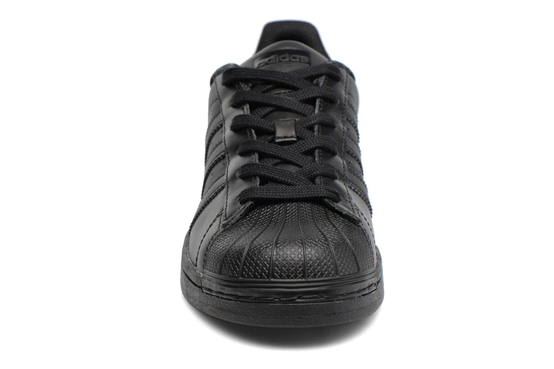 Sneaker Adidas Originals Superstar Foundation J schwarz schuhe getragen