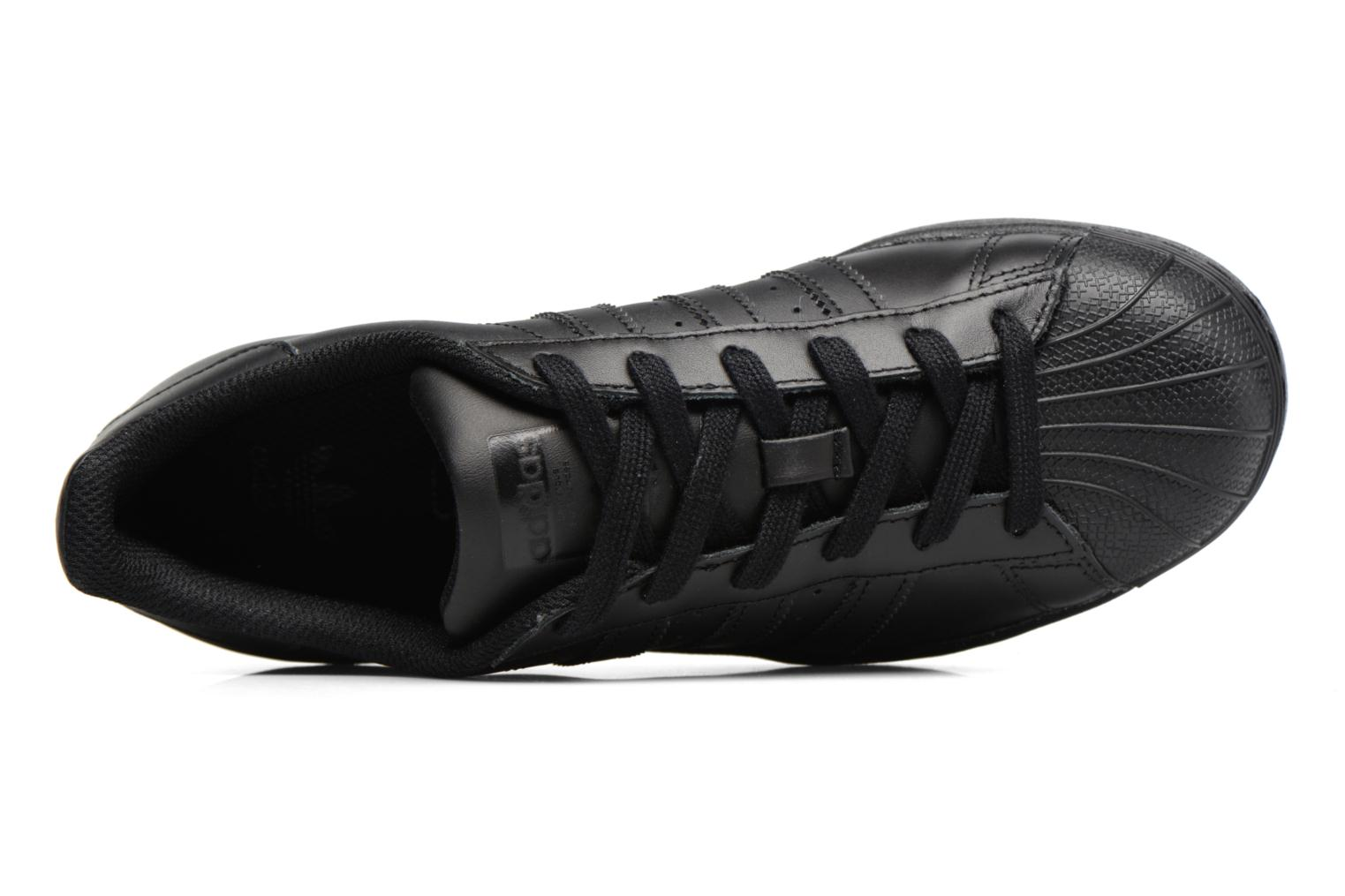 Trainers Adidas Originals Superstar Foundation J Black view from the left