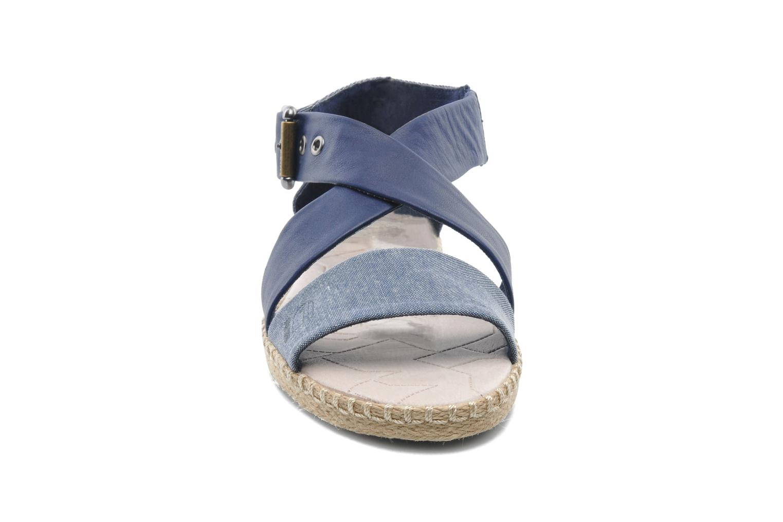 Sandales et nu-pieds G-Star Aria Flat Salon Strap Bleu vue portées chaussures