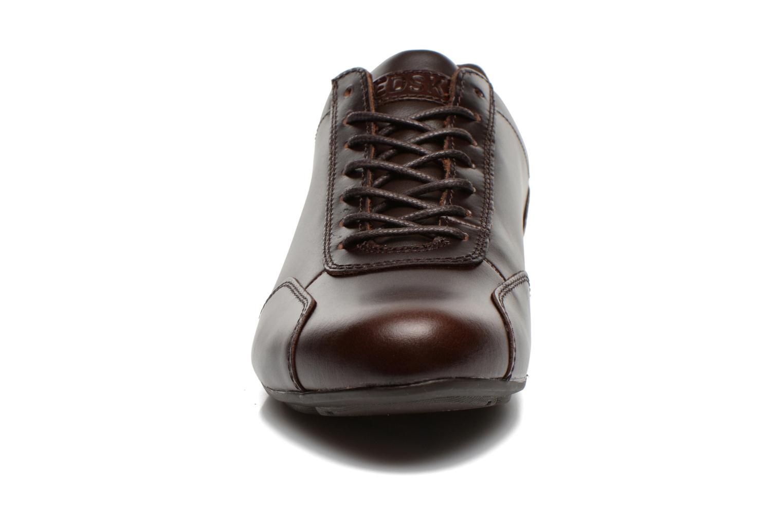 Baskets Redskins Guiz Marron vue portées chaussures