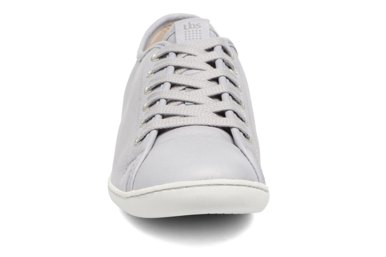 Baskets TBS Cerise Gris vue portées chaussures