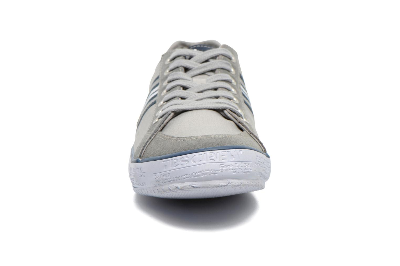 Sneaker TBS Tornad grau schuhe getragen