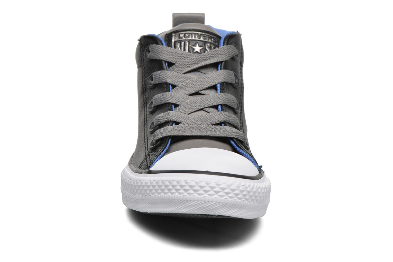 Baskets Converse Chuck Taylor All Star Street Mid Noir vue portées chaussures
