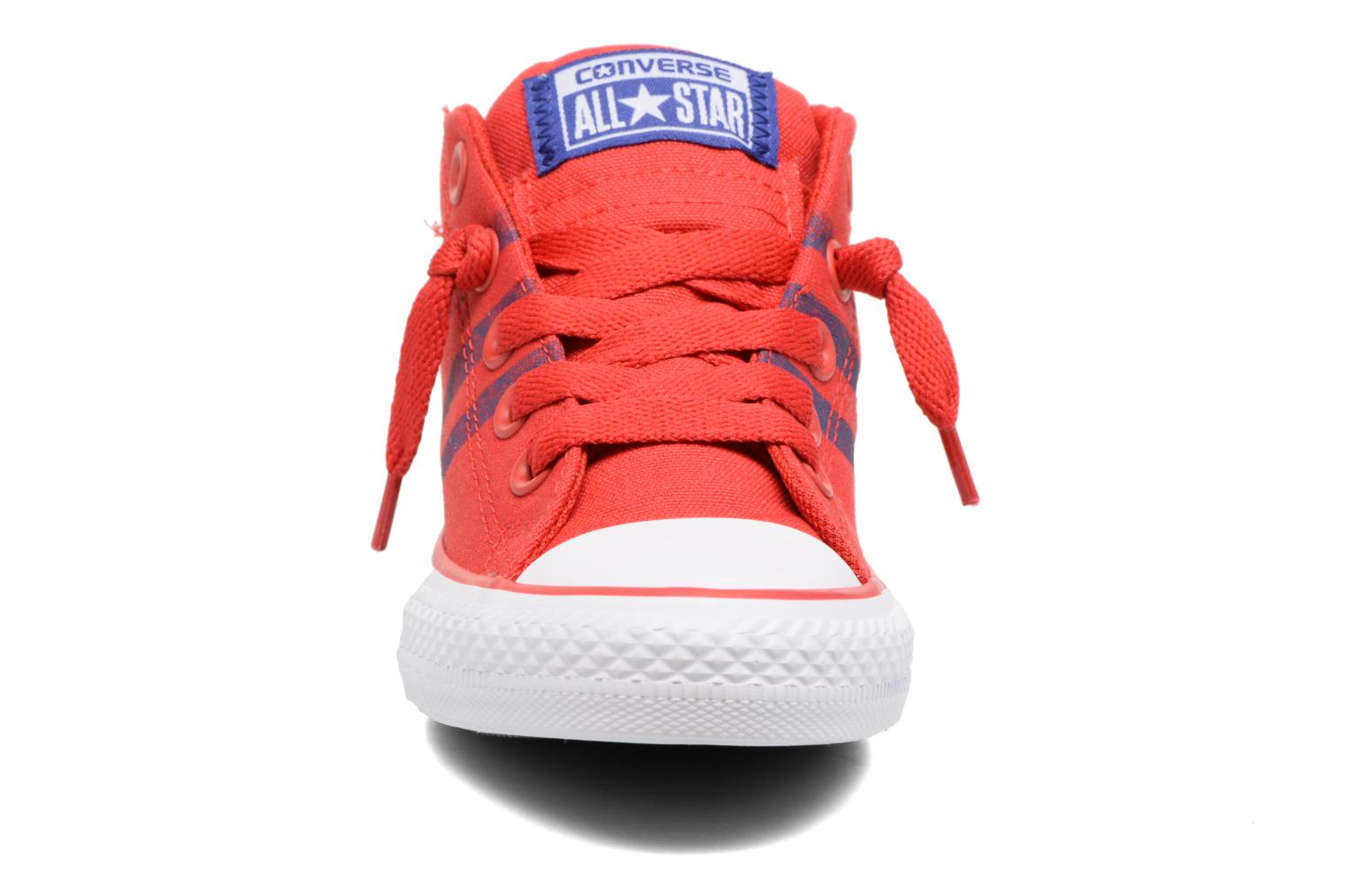 Baskets Converse Chuck Taylor All Star Street Mid Rouge vue portées chaussures