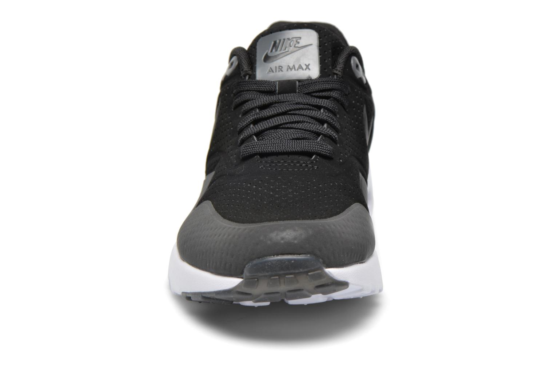 Baskets Nike Nike Air Max 1 Ultra Moire Noir vue portées chaussures