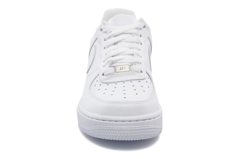 Baskets Nike Wmns Air Force 1 '07 Blanc vue portées chaussures