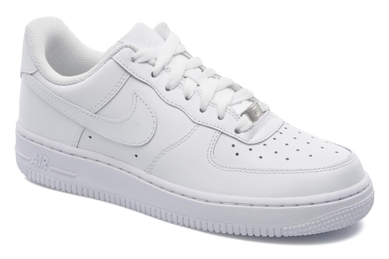 Baskets Nike Wmns Air Force 1 '07 Blanc vue détail/paire