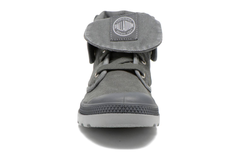 Baskets Palladium Baggy Low Lp F Gris vue portées chaussures