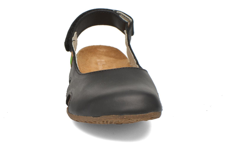 Mules et sabots El Naturalista Wakataua N413 Noir vue portées chaussures
