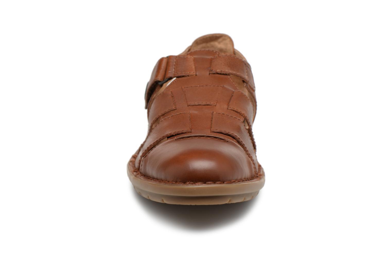 Sandales et nu-pieds Kickers Vidal Marron vue portées chaussures