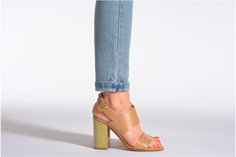 Sandales et nu-pieds Rebecca Balducci Ruby Beige vue bas / vue portée sac