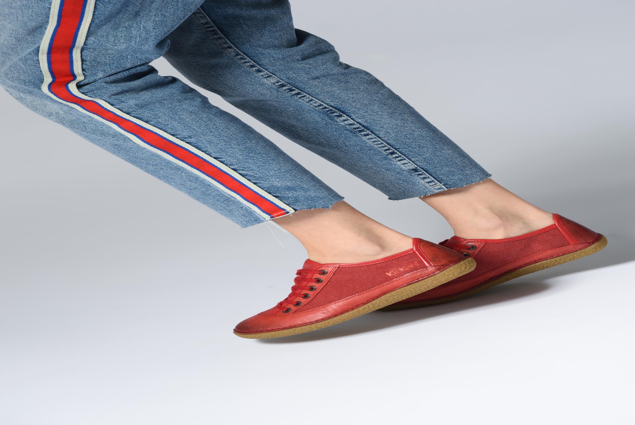 Chaussures à lacets Kickers Hollyday Marron vue bas / vue portée sac