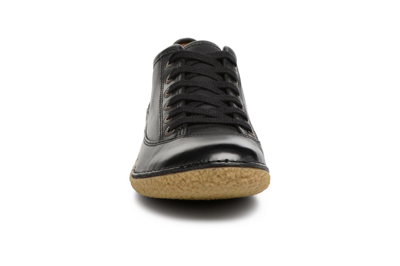 Chaussures à lacets Kickers Hollyday Noir vue portées chaussures