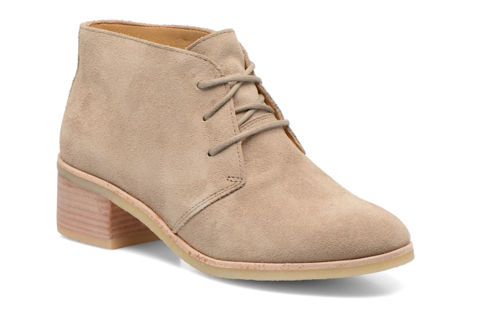 Clarks Originals Phenia Carnaby Lace-up Shoes Color: Beige