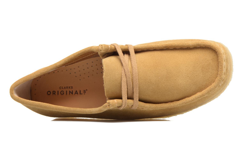 Snörade skor Clarks Originals Wallabee W Beige bild från vänster sidan