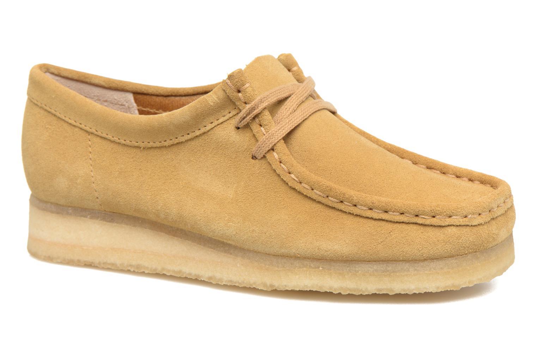 Snörade skor Clarks Originals Wallabee W Beige detaljerad bild på paret