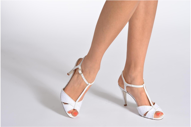 Sandales et nu-pieds Georgia Rose Rutaime Blanc vue bas / vue portée sac