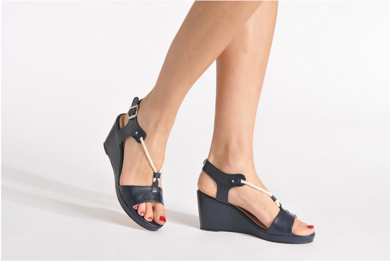 Sandales et nu-pieds Georgia Rose Sarty Bleu vue bas / vue portée sac