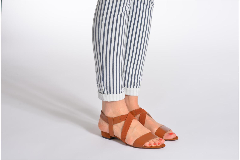 Sandales et nu-pieds Georgia Rose Sahun Marron vue bas / vue portée sac