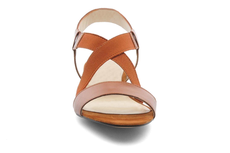 Sandales et nu-pieds Georgia Rose Sahun Marron vue portées chaussures