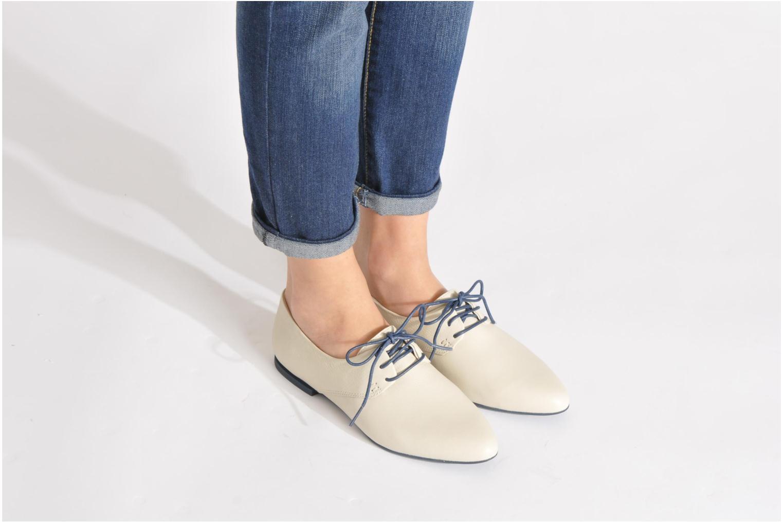 Chaussures à lacets Camper Isadora 22567 Beige vue bas / vue portée sac