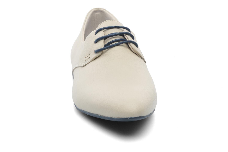 Chaussures à lacets Camper Isadora 22567 Beige vue portées chaussures