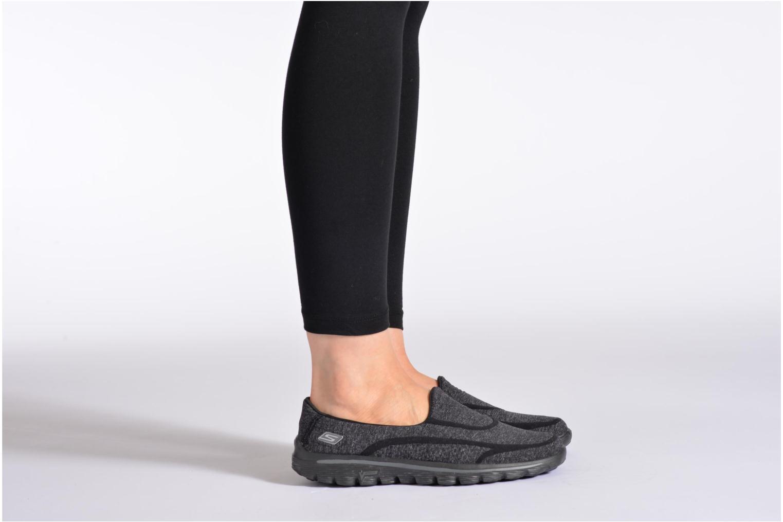 Baskets Skechers Go Walk 2 Super Sock 13955 Bleu vue bas / vue portée sac