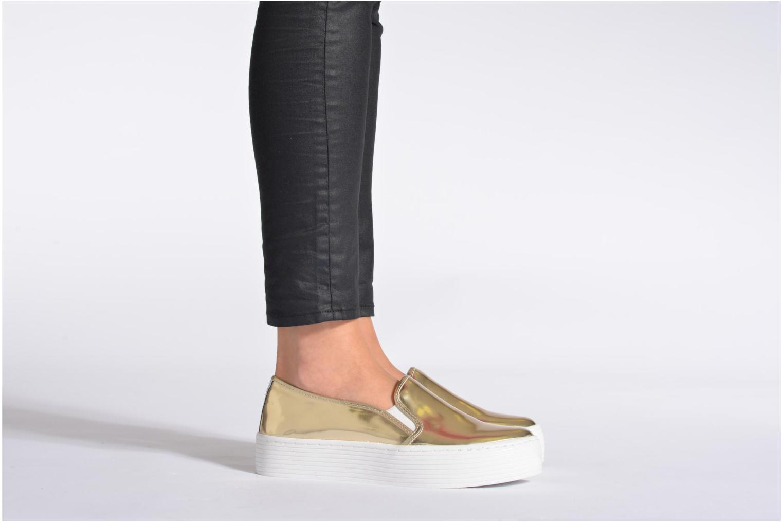 Sneaker Sixty Seven Kira gold/bronze ansicht von unten / tasche getragen